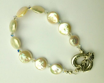"8"" freshwater pearl bracelet with Swarovski crystals"