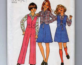 7909 Simplicity Sewing Pattern Teen Girls Back Wrap Skirt Reversible Vest Size 12 14 Vintage 1970s 30B 32B