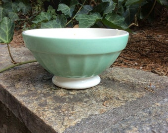 Lovely porcelain bowl cafe au lait DIGOIN SARREGUEMINES perfect for your breakfast. Green white pattern Made in FRANCE, signed on the bottom