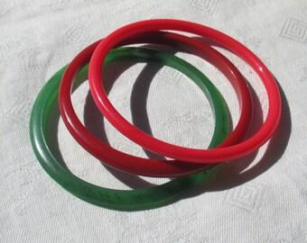 Lot Of Vintage Red Green Plastic Bangle  Bracelets