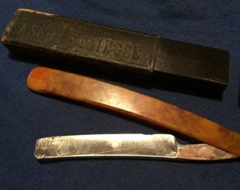 Vintage straight razor with box
