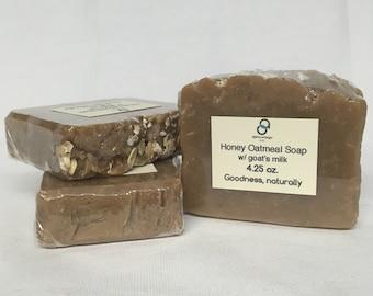 Honey Oatmeal Soap with goat's milk - Oatmeal Soap - Honey Soap - Goat's Milk Soap - Soap for itchy skin - Soap for sensitive skin