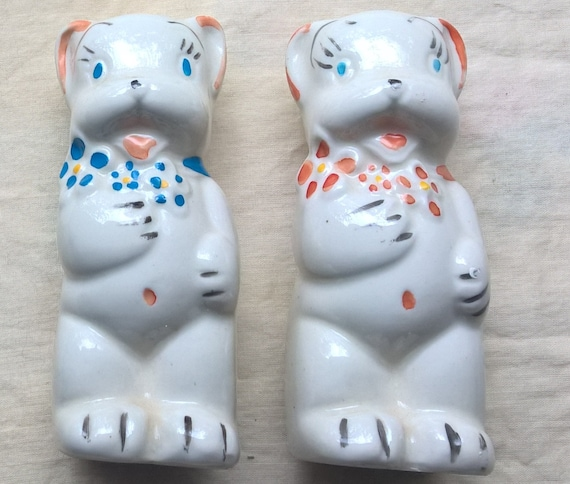 Vintage American Bisque Salt & Pepper Shakers. Bears w Flower Bouquets. Range Top Shakers. 1930s - 40s