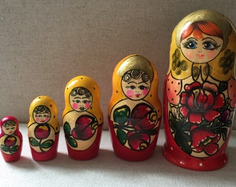 Russian Nesting Dolls Set of 5