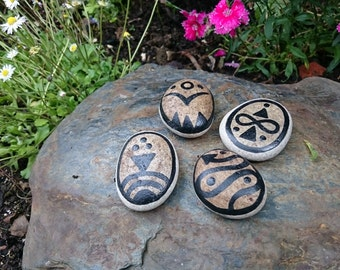 Medium Spirit Animal Symbol Stones - Serpent, Jaguar, Hummingbird and Eagle. (Black)