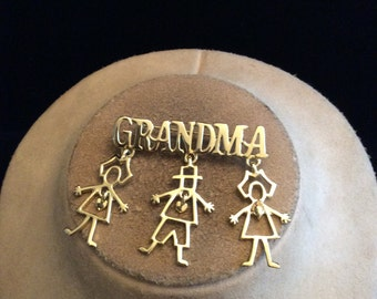Vintage Large GRANDMA With 3 Dangling Children Charm Pin