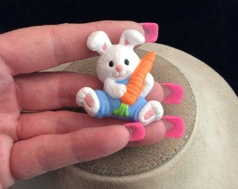 Vintage Signed Gibson Bunny With Carrot Pin