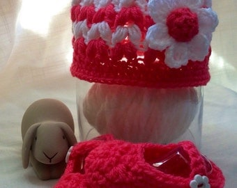 Bright pink and white Baby hat and matching shoes. Handmade baby girl crochet. Hat and matching Mary Janes. pink hat and shoe set for baby