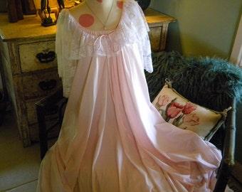 Lucie Ann Pink Angelic Huge Sweep Gown Robe Peignoir Set Petite
