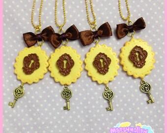 Cookie necklace alice in wonderland lolita style