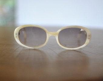 Vintage GENNY SUNGLASSES , women's designer sunglasses....