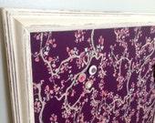 Tableau d'affichage aimanté tissu fleurs cerisiers prune rose bourgogne organisation bureau chambre babillard aimant photos mémos fleuris