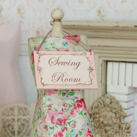 Dollhouse Miniature Sewing Room Sign Wooden Picture Hanging