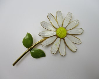 Gold Tone Enameled White, Yellow, and Green Daisy Brooch