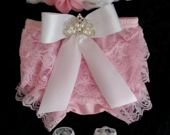 Lt Pink Bloomers/Baby Bloomers/Ruffle Bloomers/Toddler Bloomers/Newborn Bloomers/Birthday Bloomer/Infant Bloomers/Lace Bloomers/Cake Smash