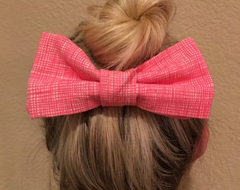 Bow tie hair clip