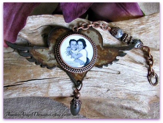 Angel Wings Sympathy Photo Ornament; Memory Lane Sympathy Photo Gift, Rustic Angel Photo Gift; Family Photo Tributes; Loss of Parent Gift