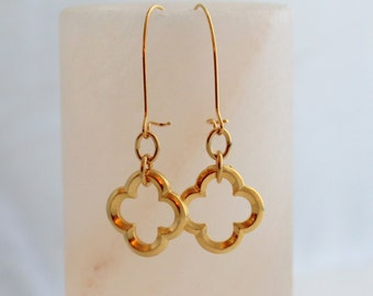 Gold Quatrefoil Earrings - Phi Mu Earrings - Clover Earrings - Phi Mu Jewelry
