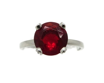 Sterling Silver Red Garnet Solitaire Vintage Ring, Size 7