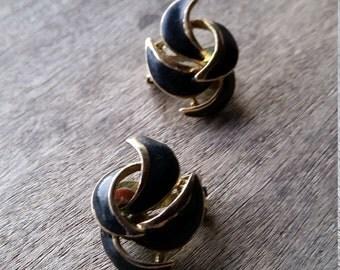 Vintage clip on art  deco black enamel goldtone swirl earrings