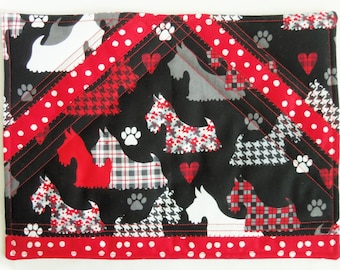 Mug Rug , SCOTTIES  ON  PARADE Quilted Snack Mat , Coaster , Candle Mat , Black , Red , Table Topper , Place Mat , Dogs