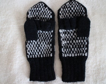 Hand knit combined wool mittens