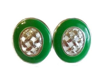 1960's Emerald Green & Silver Earrings, Vintage Basket Weave Metal Clip On Earrings, 60s Mod Fashion, Mad Men Vintage Jewelry Clips