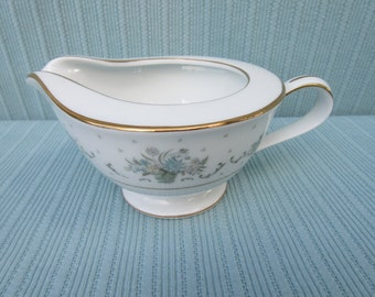 Antique,Vintage,Noritake,Allston,creamer with beautiful country blue and gray flowers in a basket & gold trim,cream,milk,syrup,gravy,floral