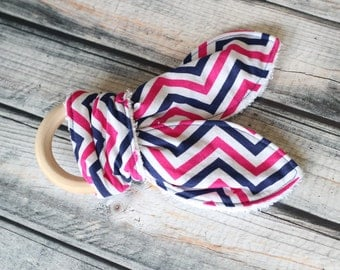 Baby Toy - Teether - Teething Toy - Chevron Teething Ring