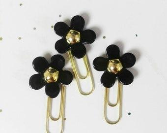 1 black Daisy Planner clip