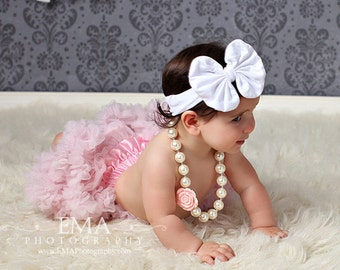 Madeline- White Messy Bow, White Bow Headband, White Messy Bow Headband, Big White Bow headband, Baby headband, Birthday Headband, One size