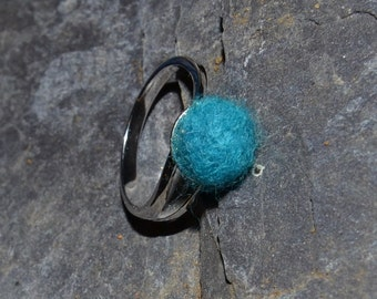 Silver plate and felt adjustable ring