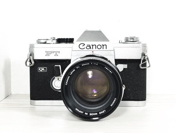 Canon FT ql W/ 50mm f1.4 FL lens - 35mm SLR camera -  - vintage camera