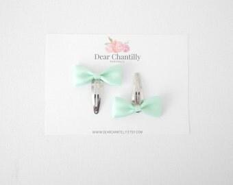 KELSEY Mini Satin Bow Clips in Mint