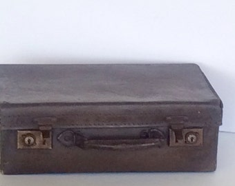 Vintage Child's Suitcase or Briefcase