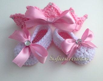 Crochet tiara and shoes-baby set-newborn set-Tiara-Mary janes-Princess-Princess hat-princess crown-photo prop-princess onesies
