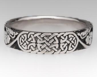 Mens Celtic Wedding Band 18K White Gold Ring WM10823