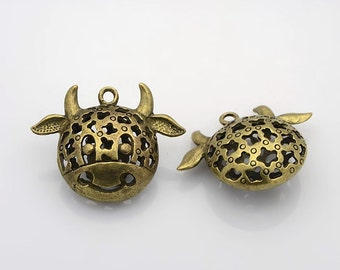 Adorable Cow Pendant - Hollow Tibetan Style - Antique Bronze - Nickel Free, Size About  30x39x15mm, Hole: 2mm  127