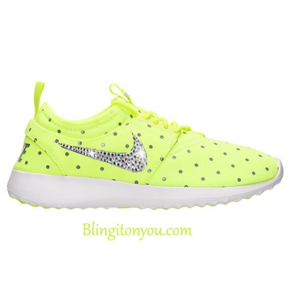 Amazing Wmns Nike Juvenate Print Polka Dots Volt Grey Womens Running Shoes