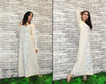 uzbek traditional hand-embroidered women's dress chemise from bukhara a7070