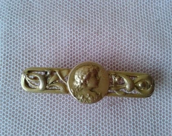 "Very lovely little brooch, period ""Art nouveau"" in child"
