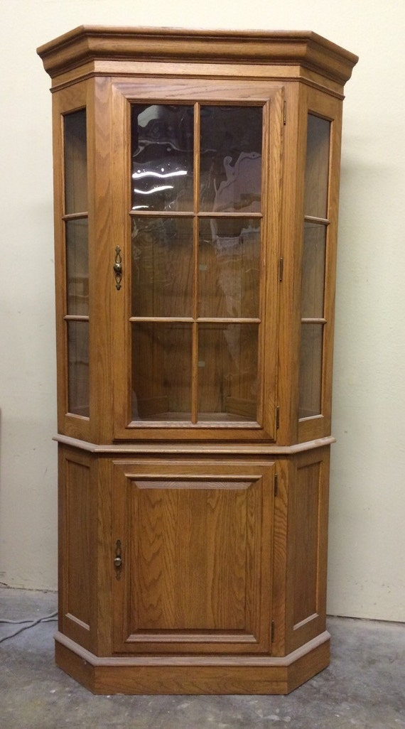 curio corner cabinet ethan allen vintage lighted glass. Black Bedroom Furniture Sets. Home Design Ideas