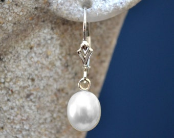 Beautiful natural white freshwater pearl earrings with sterling silver leverbacks