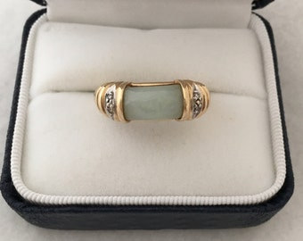 Elegant 14k Solid Gold Jadeite Jade Dome Cabochon Cut Bezel Set Beautiful Design Yellow Gold Ring w/ 2 Small Diamonds on Each Shoulder