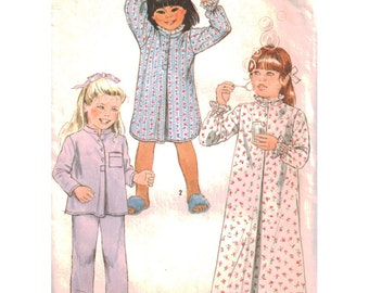 Simplicity Sewing Pattern 6662 Girl's Pajamas, Nightgown in two lengths - estimated vintage 1970's  Size:  4-5  Used