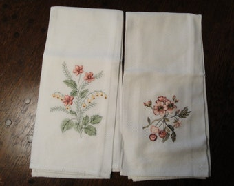 Two Very Nice Tea Towels Machine Embroidered Lovely Floral Design Large 28 X 18