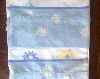 Two mod 70s pillowcases......daisies....blue and white