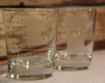 Set of 2 Minnesota etched lowball tumbler glasses