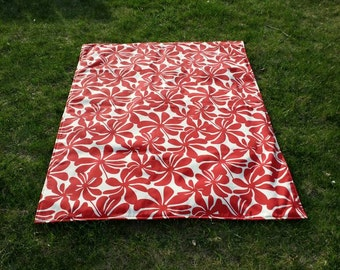Waterproof Picnic Blanket / Beach Blanket with Carrying Tote Bag