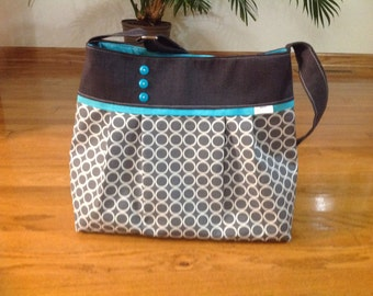 Ready to ship! Diaper bag in charcoal grey and grey circles. deluxe bag with 5 pockets boy diaper bag, grey mommy bag, girl diaper bag